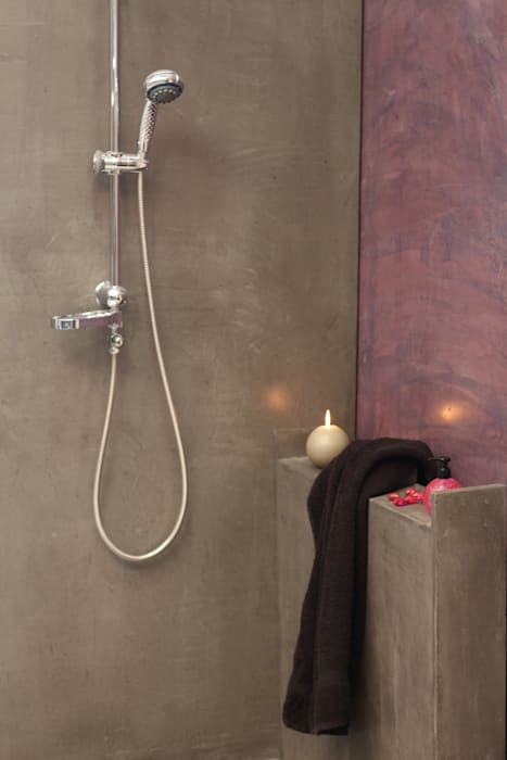 Salle de bain béton ciré: Salle de bains de style  par Les Bétons de Clara