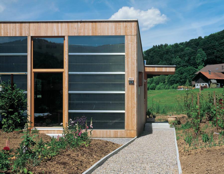 Solarhaus III in Ebnat-Kappel CH, 2000 Minimalistische Häuser von Dietrich Schwarz Architekten AG Minimalistisch