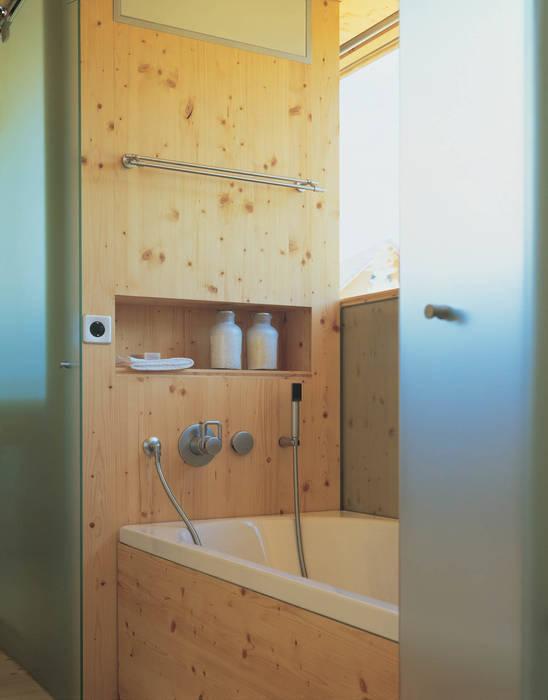 Minimalist style bathroom by Dietrich Schwarz Architekten AG Minimalist