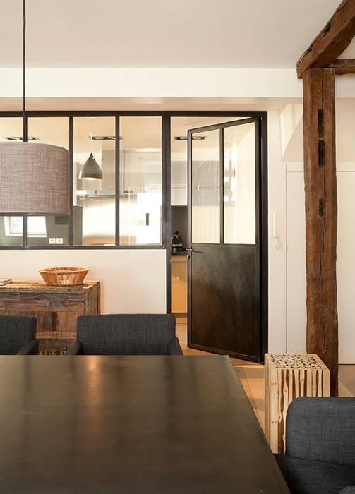 Salas de jantar modernas por ATELIER FB Moderno