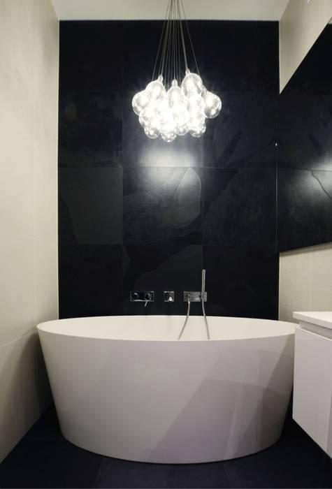 Salle de bain scandinave par Devangari Design Scandinave