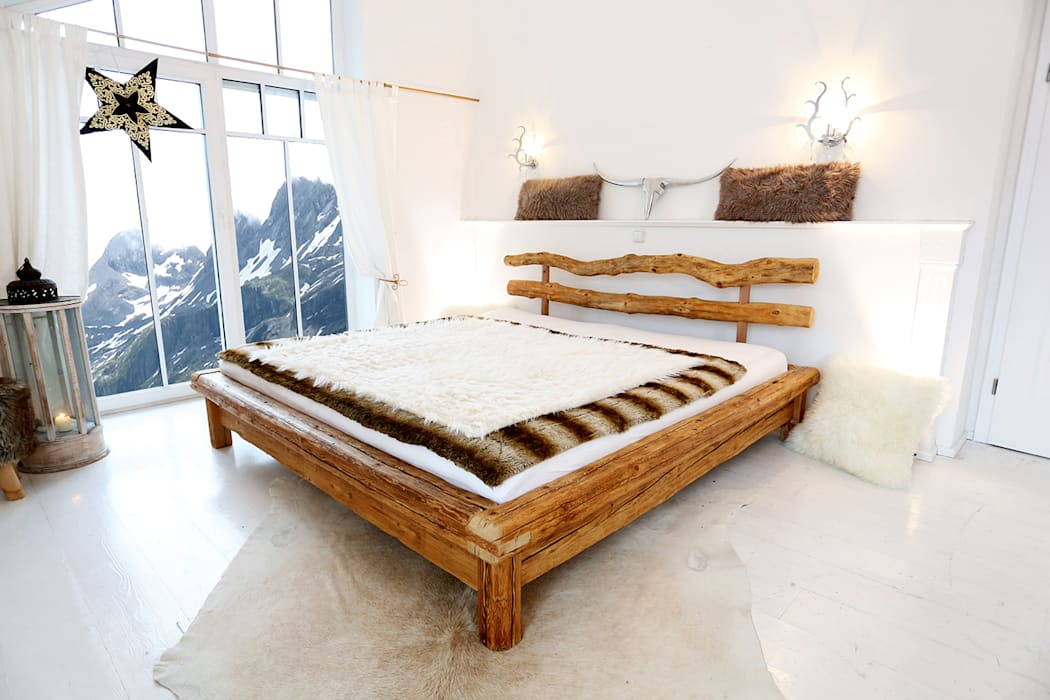 Ausstrecken Einrollen Traumen Altholz Bett Aus Naturbelassenem