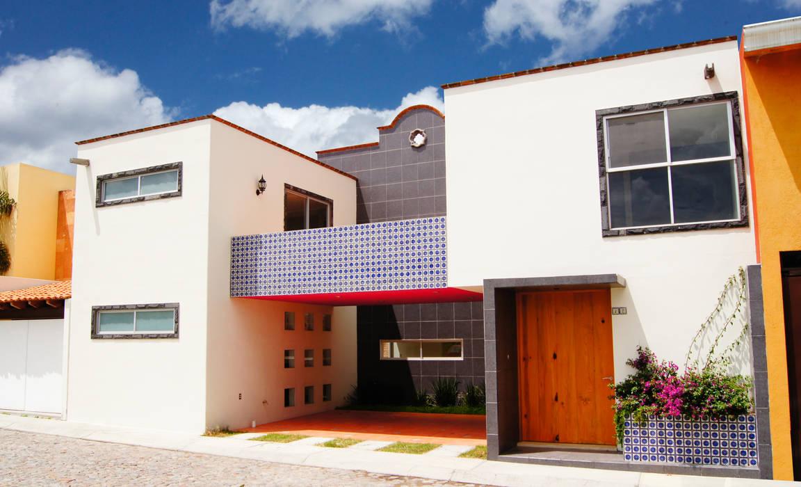 Fachada, Casa Cuayantla Casas de estilo colonial de Itech Kali Colonial Azulejos