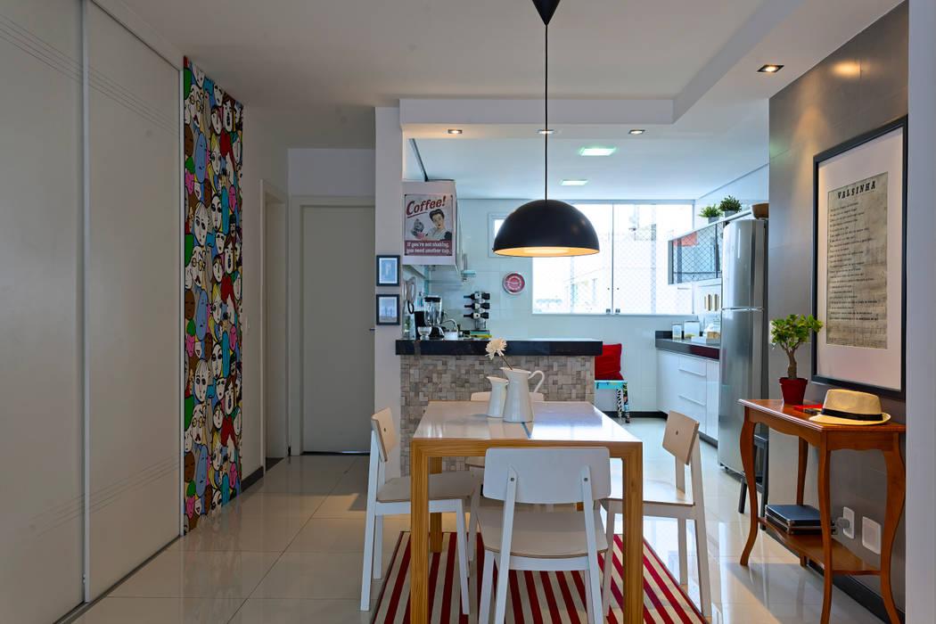 Modern dining room by Estúdio 102 Modern