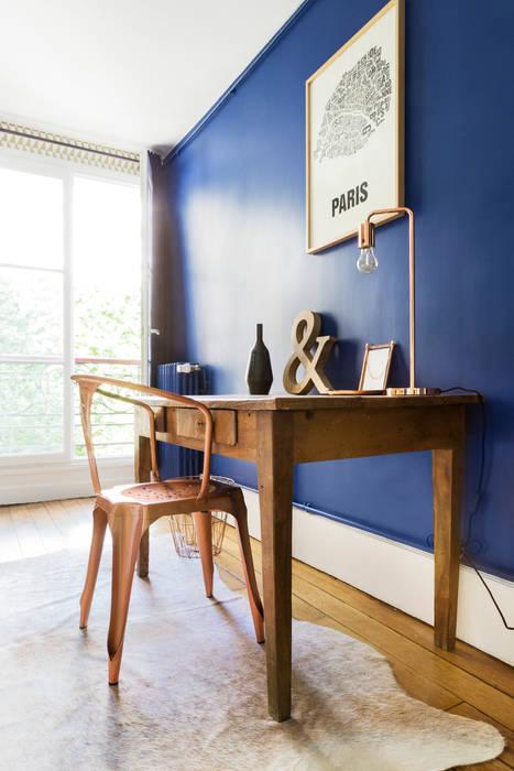Chambre - Appartement industriel chic & moderne 55m2 - 75010 Paris: Chambre de style  par Espaces à Rêver