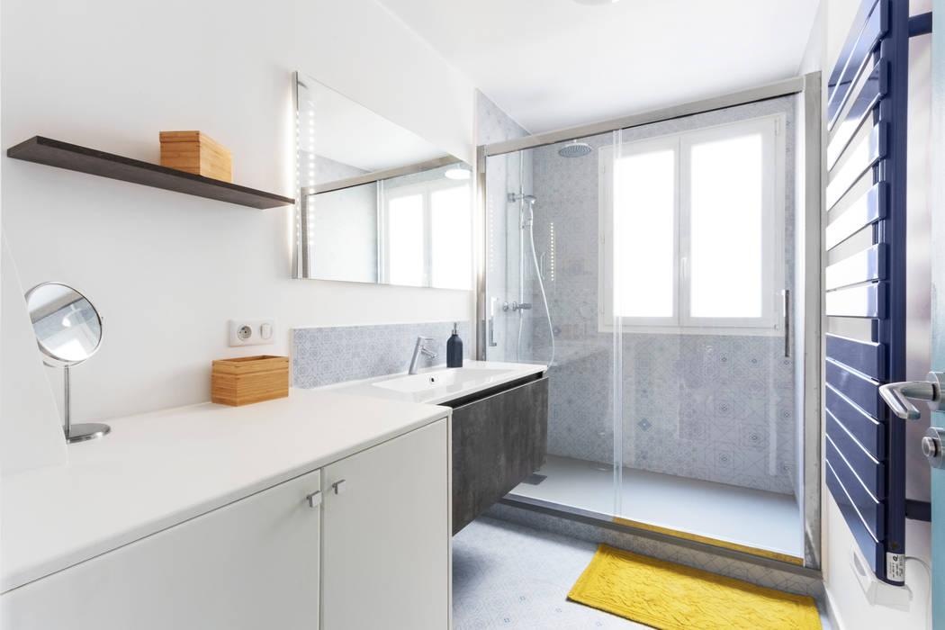 Appartement industriel chic & moderne 55m2 75010 Paris Salle de bain industrielle par Espaces à Rêver Industriel