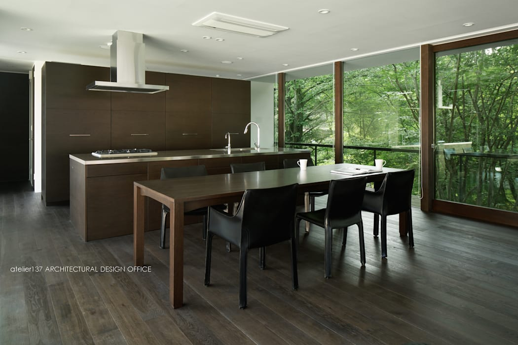 atelier137 ARCHITECTURAL DESIGN OFFICE Modern dining room Wood Brown