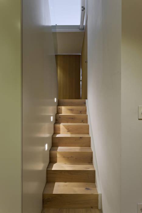 De Vere Gardens Modern corridor, hallway & stairs by Viewport Studio Modern