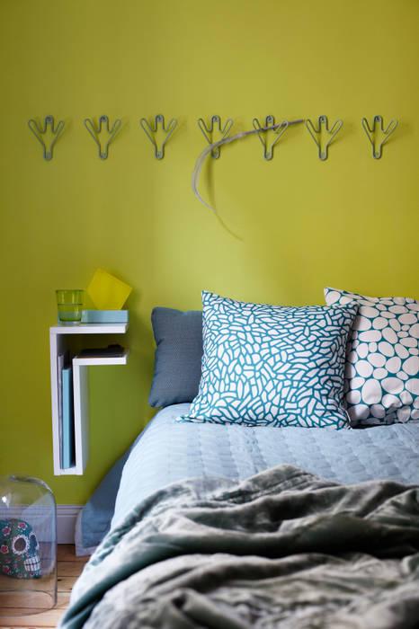 Camera da letto in stile  di Maze Interior