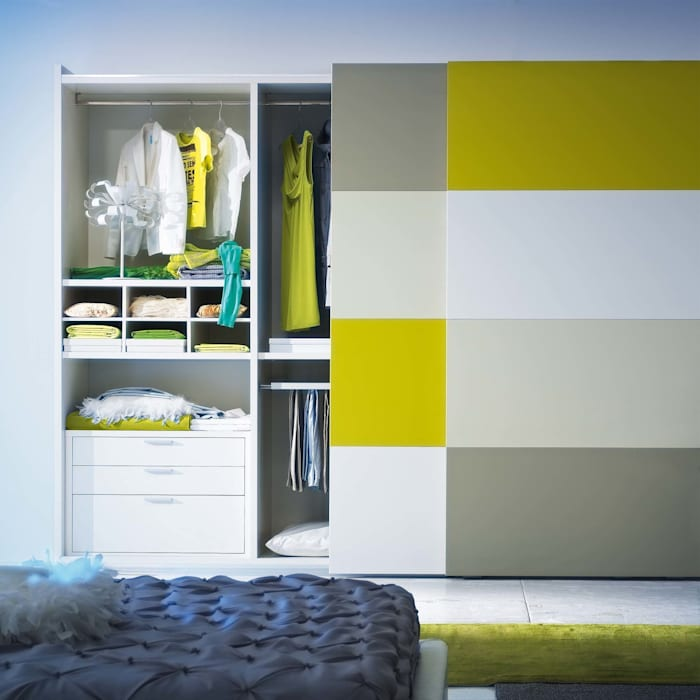 'Metropolis' 2 sliding door wardrobe by Mobilstella homify BedroomWardrobes & closets