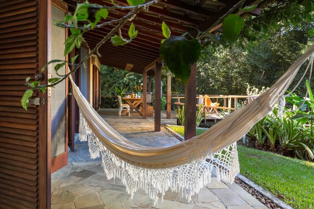 Terrace by Lucia Manzano, Rustic