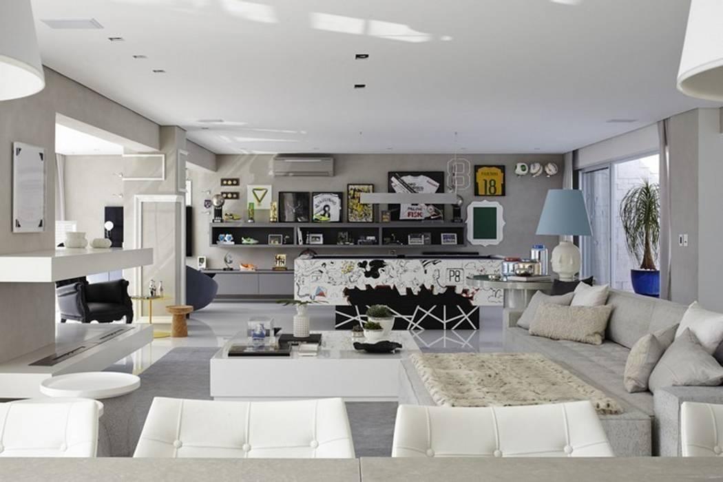 Living room by Lovisaro Arquitetura e Design, Modern