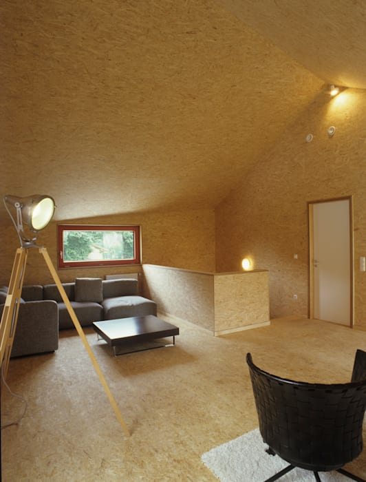 Phòng khách theo ArchitekturWerkstatt Vallentin GmbH, Bắc Âu