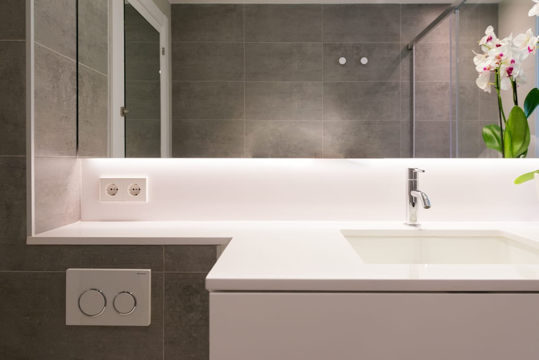 PISO MODERNO - BARCELONA PEDRALBES LF24 Arquitectura Interiorismo Baños de estilo moderno