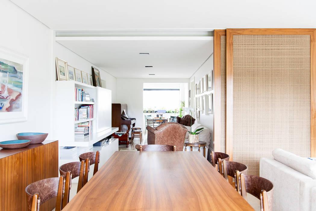 mmagalhães estúdio_Apartamento Parque: Salas de estar  por mmagalhães estúdio