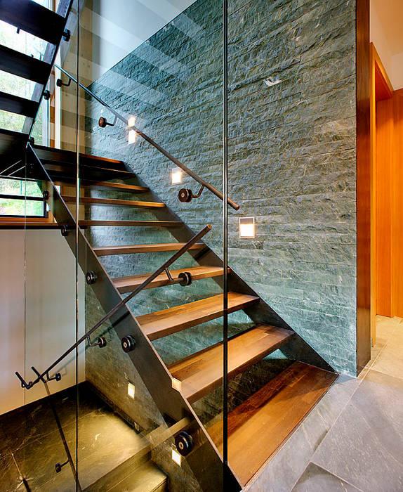 Modern corridor, hallway & stairs by pedit&partner architekten Modern