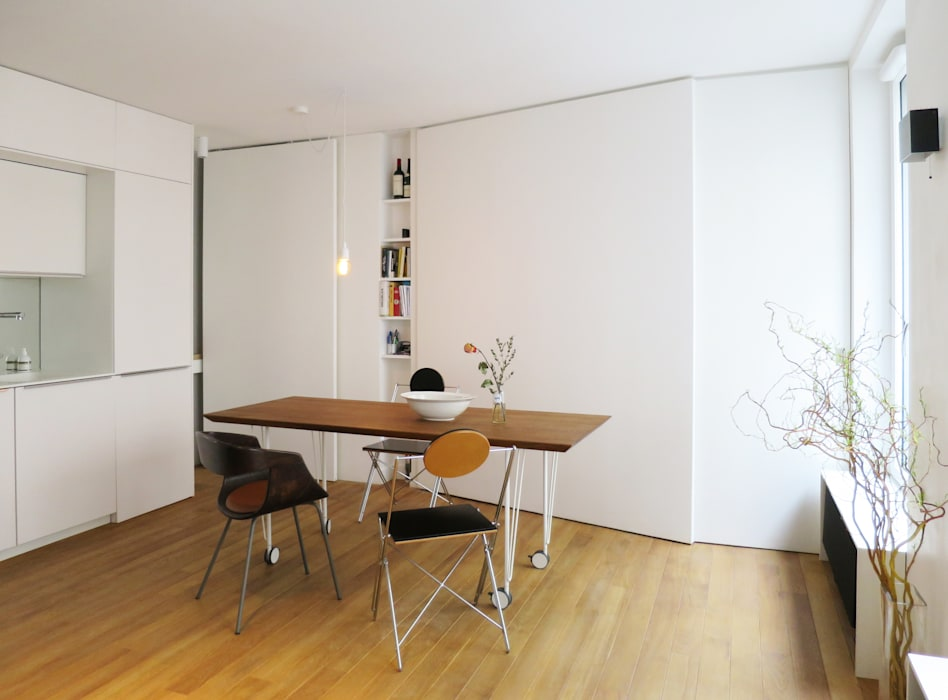 coin repas pour 6+/ avec les portes fermées Salle à manger moderne par Studio Pan Moderne