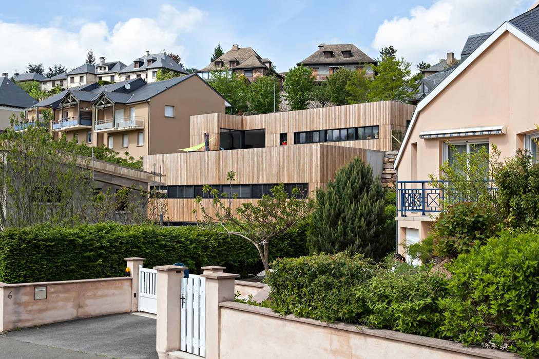 Minimalist house by Hugues TOURNIER Architecte Minimalist