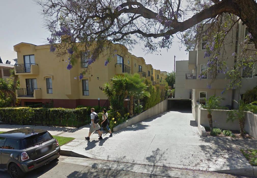 la maison vu d'extérieur : Maisons de style de style Moderne par Studio Pan