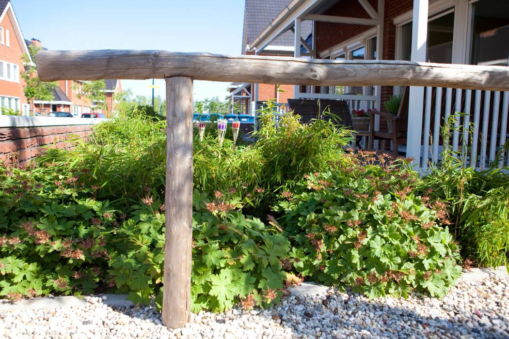 Voortuin nieuwbouw IJsselstein Landelijke tuinen van Mocking Hoveniers Landelijk
