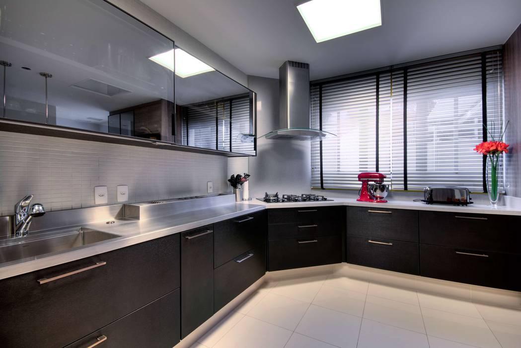 Cozinha: Cozinhas modernas por LamegoMancini Arquitetura