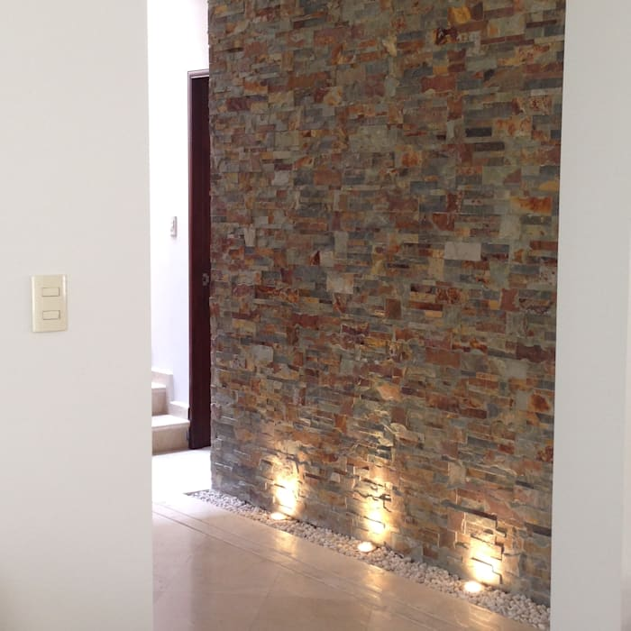 VESTIBULO TERMINADO : Pasillos y recibidores de estilo  por Alejandra Zavala P.,