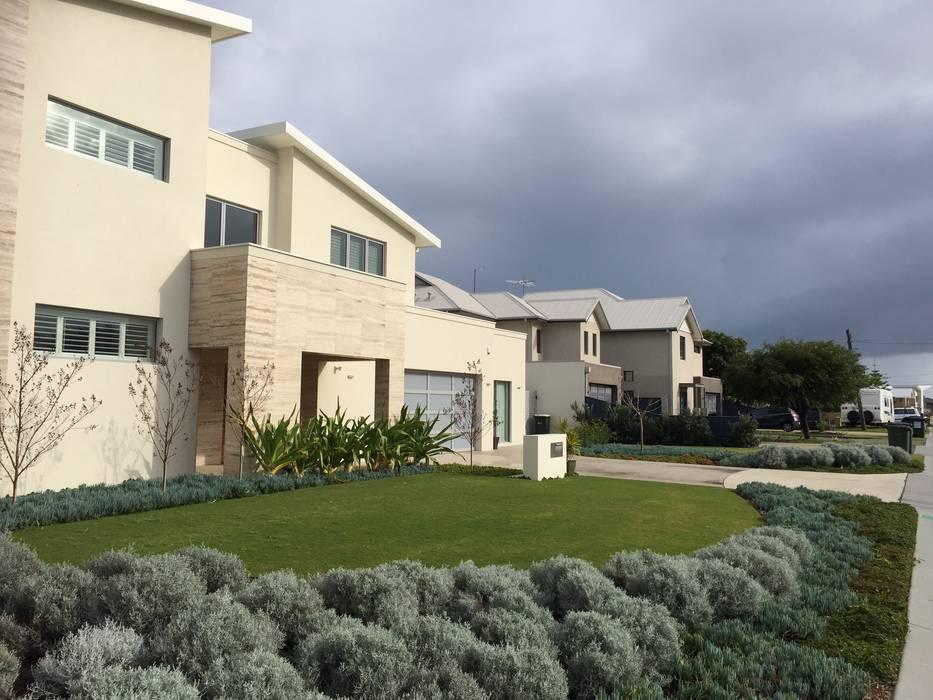 Coastal style: garden by project artichoke | homify