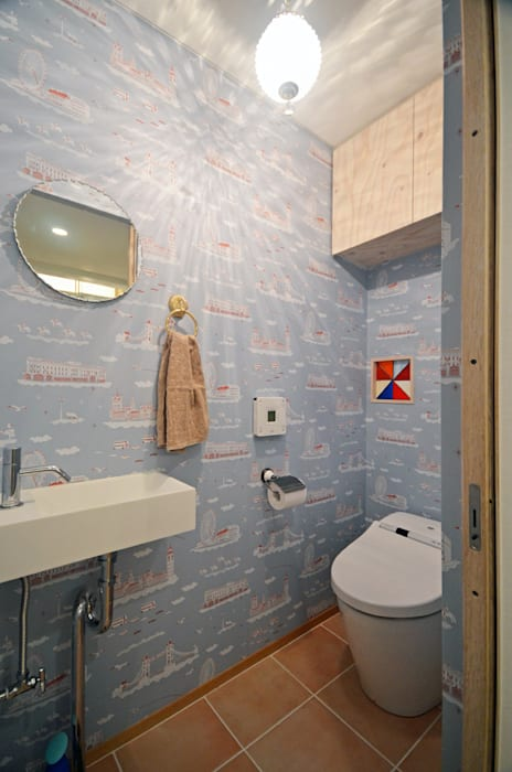 Scandinavian style bathrooms by 大塚高史建築設計事務所 Scandinavian