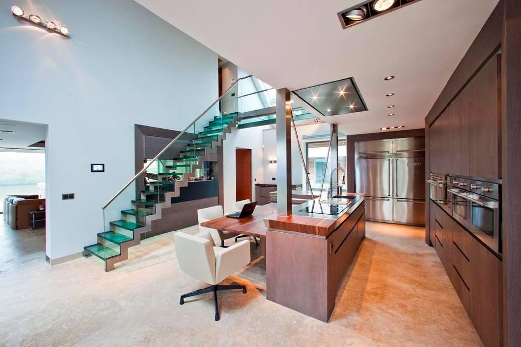 Glazen Trap & Balustrade Moderne eetkamers van Buys Glas Modern