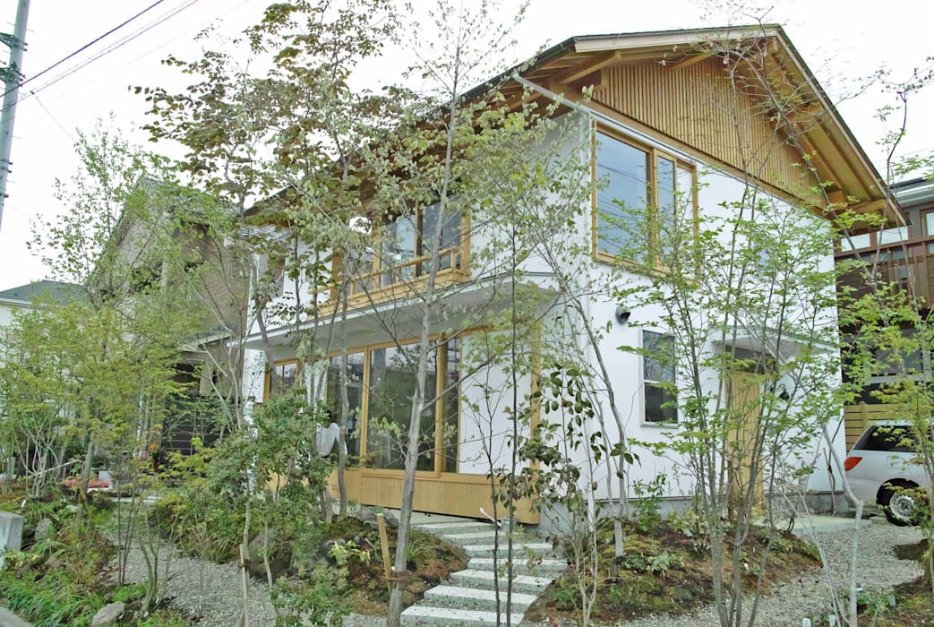 Jardin moderne par 野草の庭・茶庭づくり 風(ふわり) Moderne
