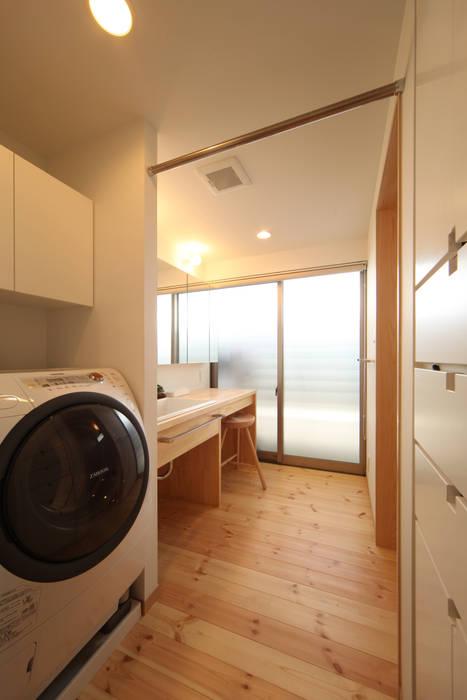 Asian style bathrooms by 青木昌則建築研究所 Asian