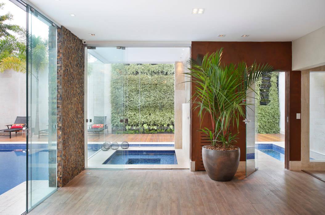Sauna Spa moderno por Studio Claudia Pimenta e Patricia Franco Decoração de Interiores Moderno