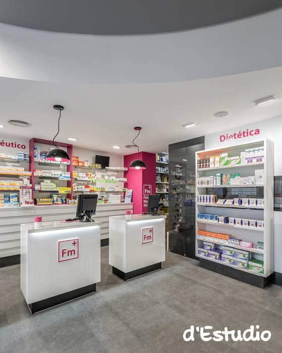 Farmacia Mayor Xirivella | Mostradores y Rebotica: Espacios comerciales de estilo  de d'Estudio