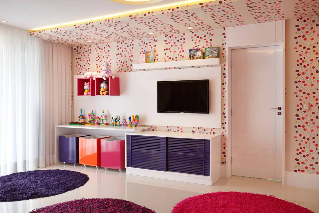 Quarto infantil Quarto infantil moderno por Arquitetura e Interior Moderno