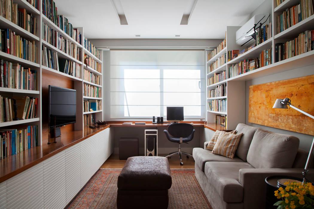 Рабочий кабинет в эклектичном стиле от Da.Hora Arquitetura Эклектичный
