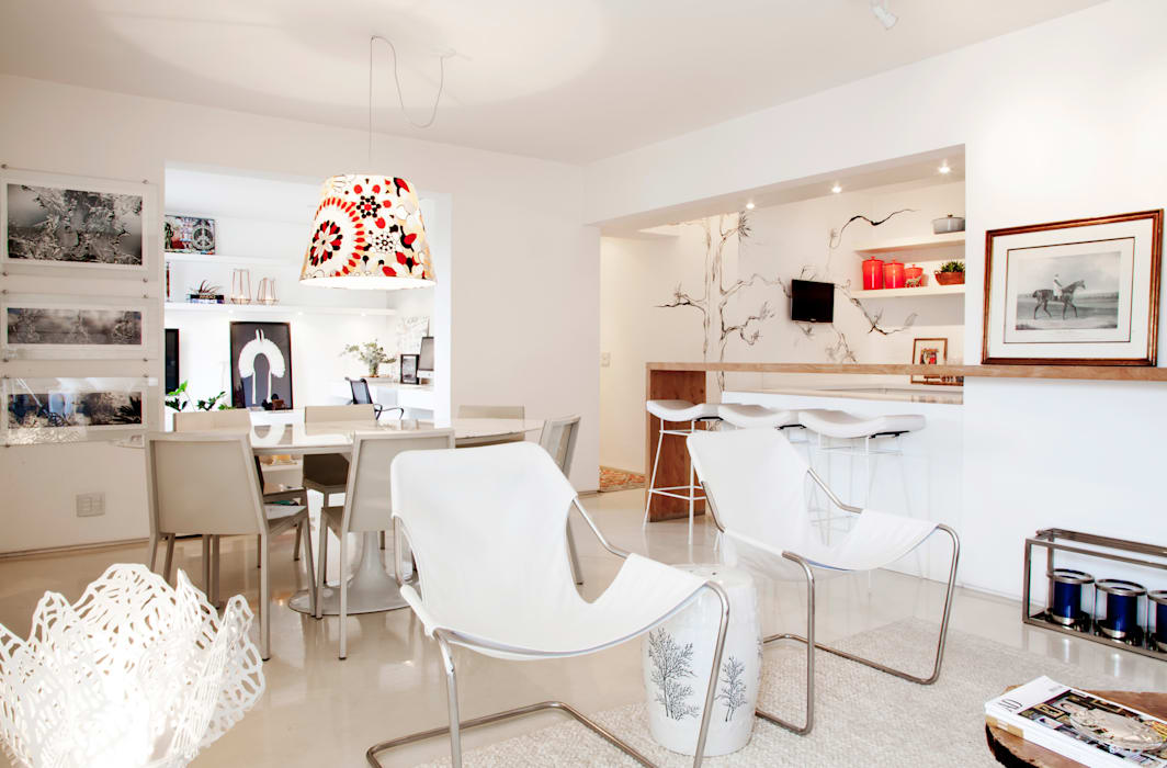 Living com ambientes integrados Salas de jantar mediterrâneas por Helô Marques Associados Mediterrâneo
