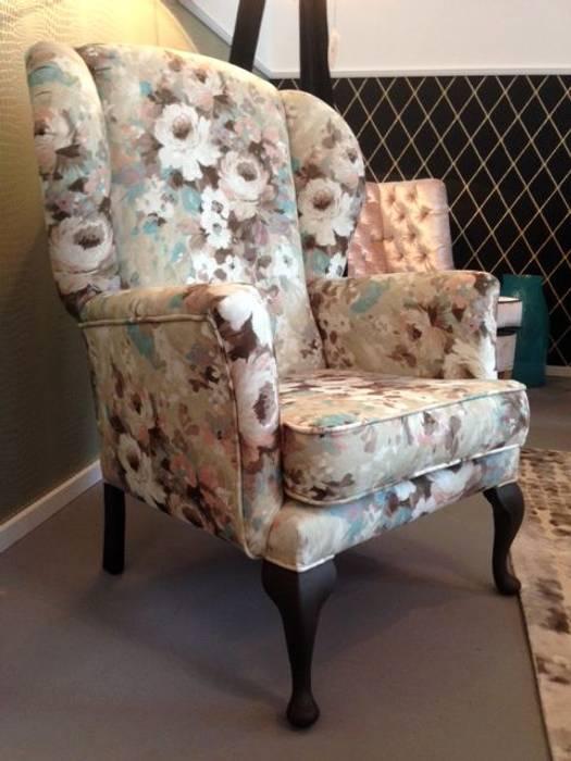 Fotel Uszak Monet: styl , w kategorii Salon zaprojektowany przez Juicy Colors