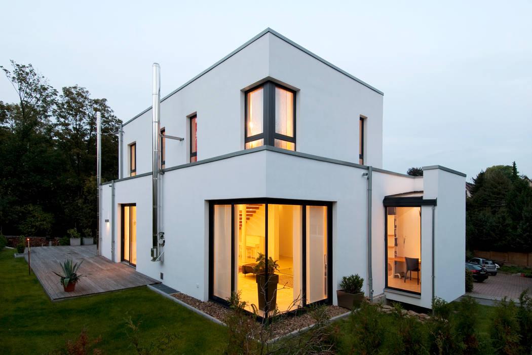 Modernes Einfamilienhaus in Essen Moderne Häuser von Stockhausen Fotodesign Modern