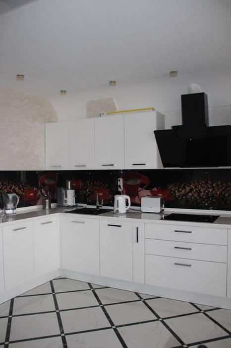 Cucina in stile  di Студия интерьерного дизайна happy.design,