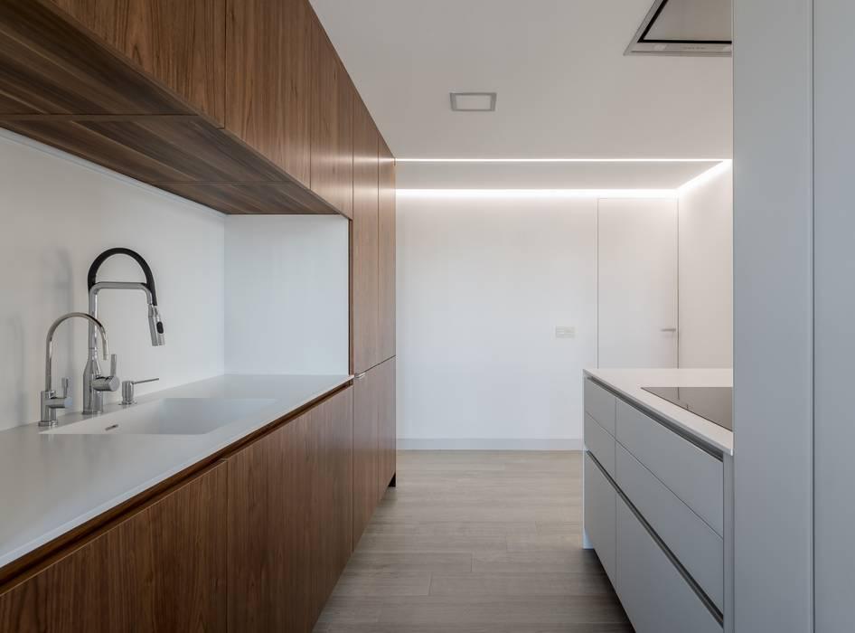Cocina LLIBERÓS SALVADOR Arquitectos Cocinas de estilo minimalista