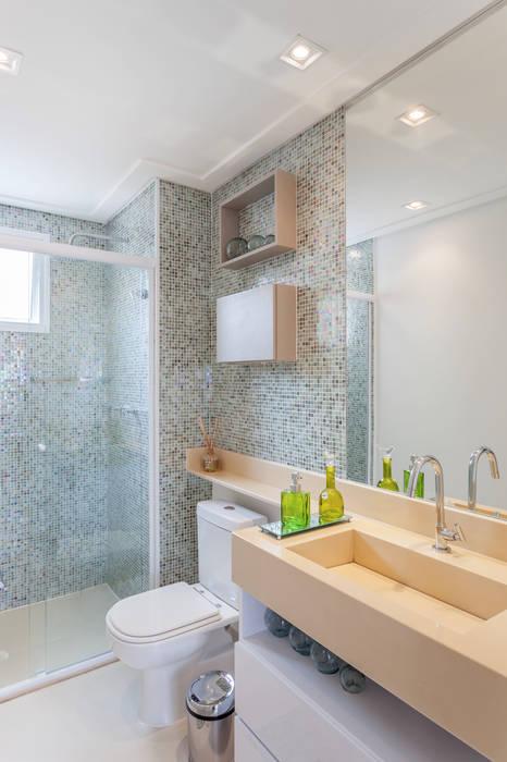 Baños de estilo minimalista de MARCY RICCIARDI ARQUITETURA & INTERIORES Minimalista