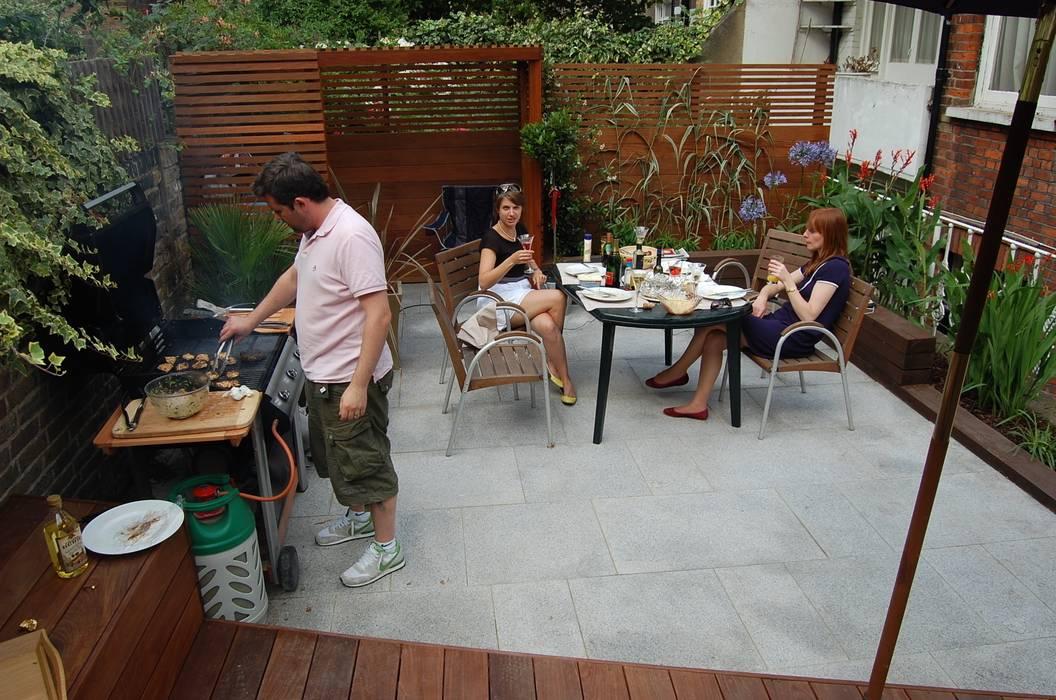 Reforma de patio en Londres Asilvestrada Jardines de estilo moderno