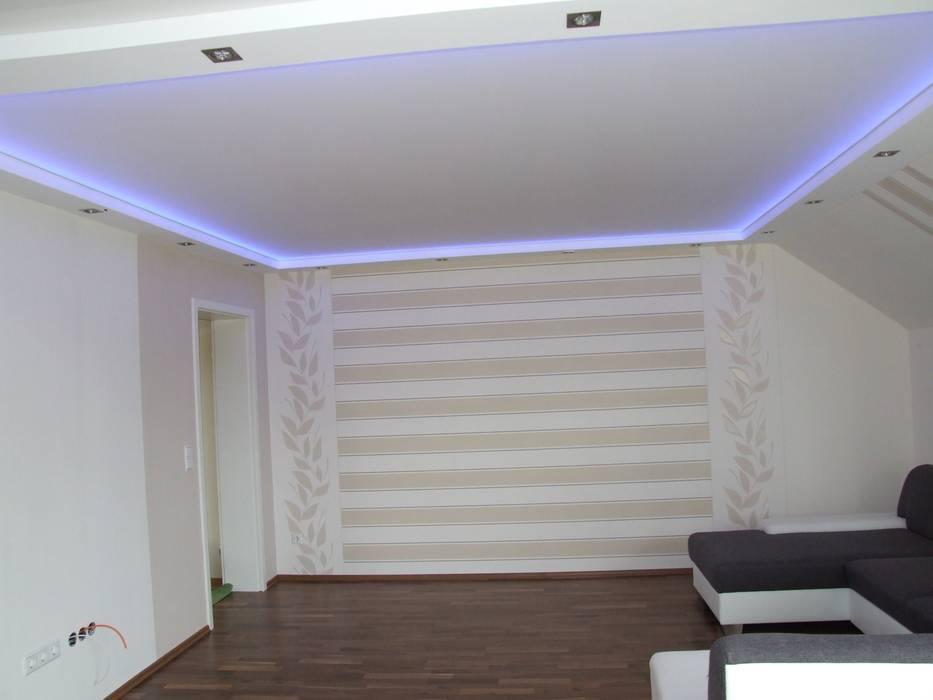 Lichtdecken: wohnzimmer von decken design | homify