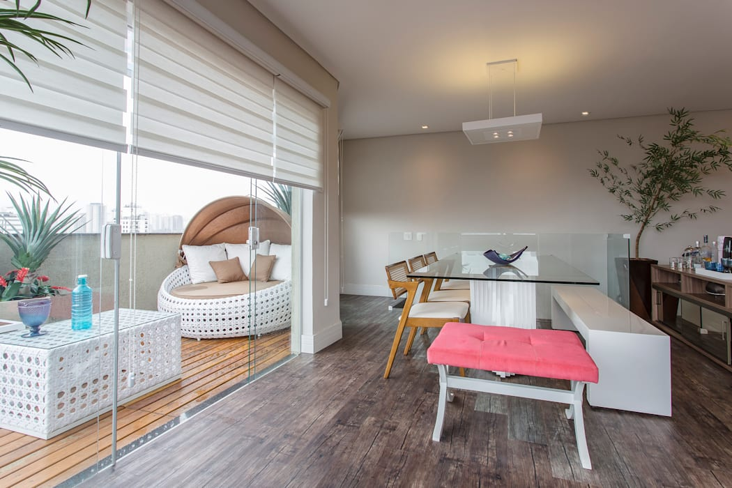 Modern Balkon, Veranda & Teras Lo. interiores Modern
