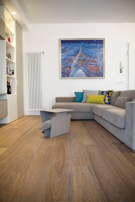 Salotto e dettagli colorati: soggiorno in stile di modularis ...