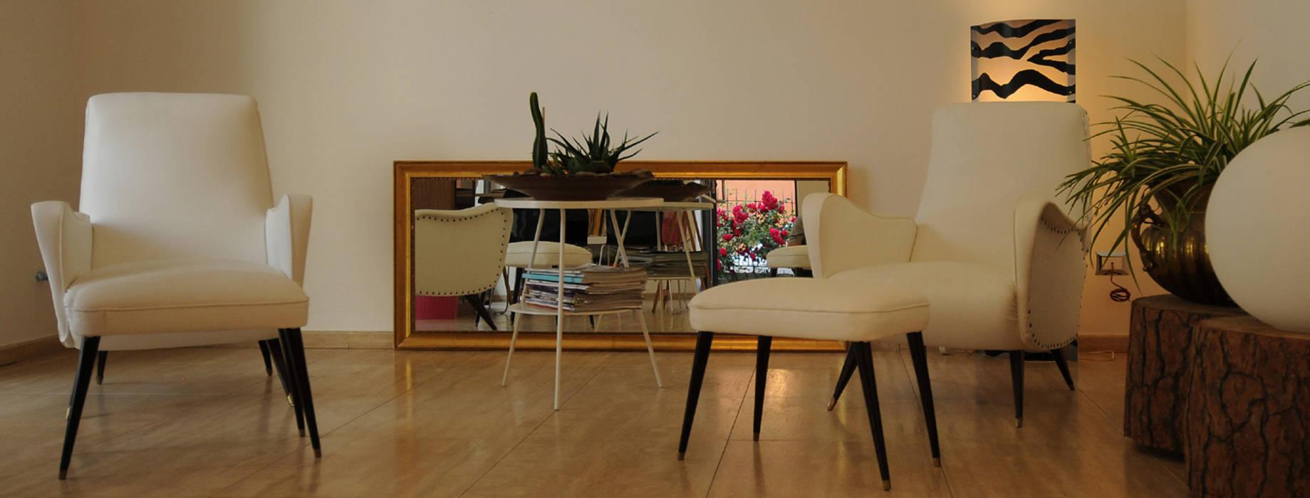 Open space : Soggiorno in stile in stile Eclettico di Bianca Coggi Architetto