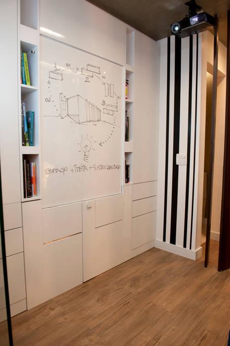 Pocket Office: Escritórios  por Espaço do Traço arquitetura