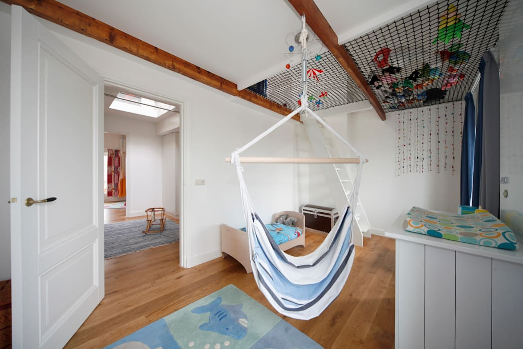 Bijzondere kinderverdieping Moderne kinderkamers van Studio evo Modern