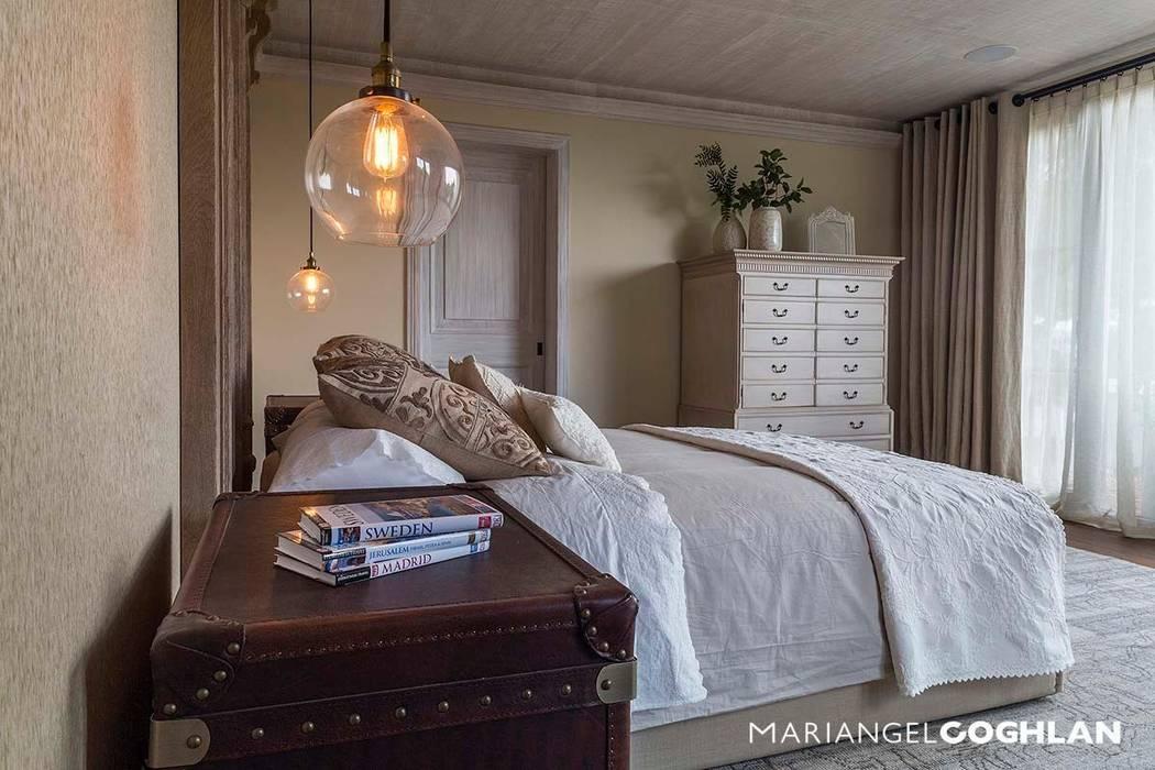 Chambre de style  par MARIANGEL COGHLAN, Moderne