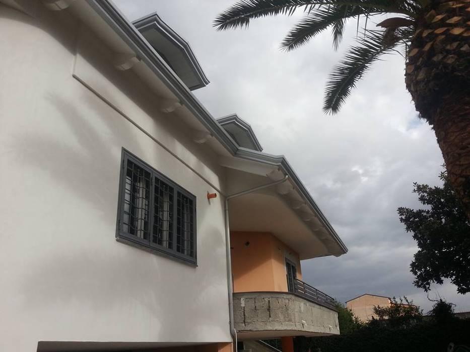 Copertura in legno bianco: Giardino in stile in stile Moderno di RicreArt - Italmaxitetto